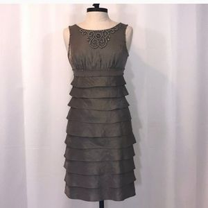 ADRIANNA PAPELL FORMAL DRESS SIZE 6